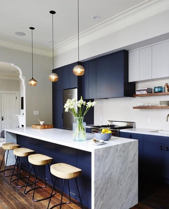 кухня-з-темно-синіми-фасадами